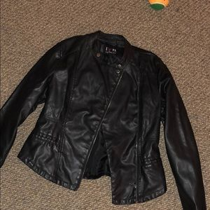 LIKE NEW leather jacket!!